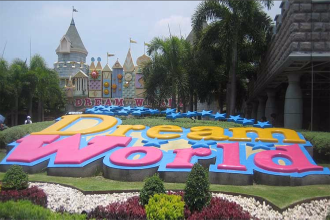 Bangkok Dream World with Snow Town & 4D Theater (Full Package)