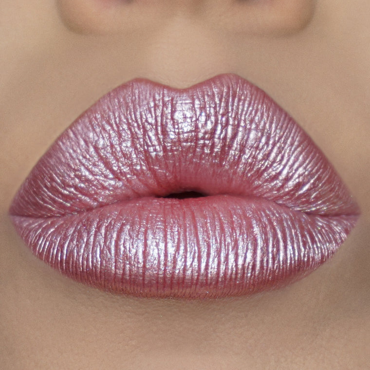 Iconic Kisses Metallic Liquid Lipsticks