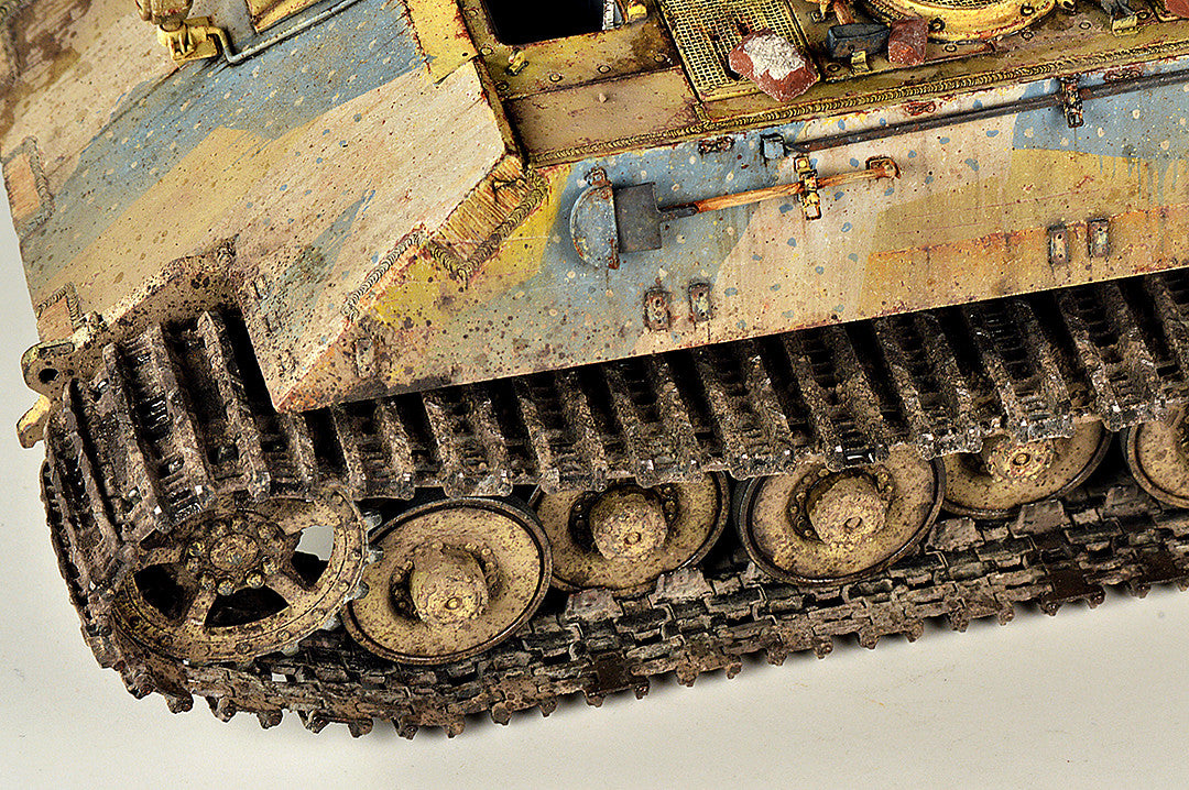 Weathering tracks with Wilder products – Wilder Weathering