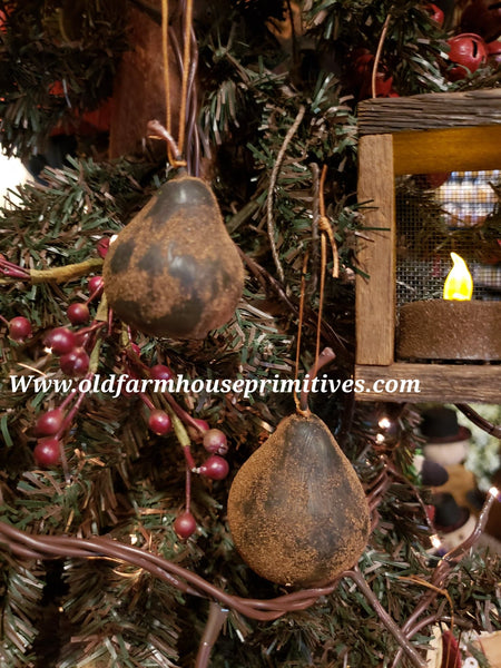 "#PGPEARM Primitive Medium Blackened Grubby ""Pear"" Spiced Ornament (Made In USA)"