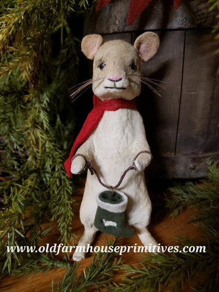 #CY66 Craig Yenke Christmas Mouse With Stocking (Made In USA)