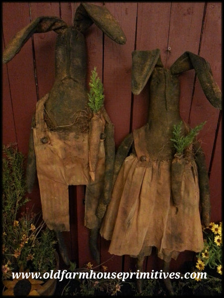 #MA39 Primitive Hanging Or Sitting Timber Creek Rabbits (Made In USA)