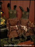 #JH13 Primitive Sitting Rabbits (Made In USA)
