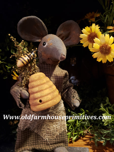 #LT2 Primitive Bumble Bee 🐝 Bee Skep Garden Mouse (Made In USA)  Back In Stock!