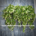 #RHN32 Boxwood And Berry Hanging Bush