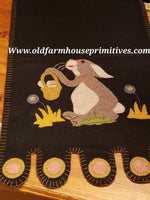 #PR2 Primitive Bunny Rabbit And A Basket 🧺 Table Runner