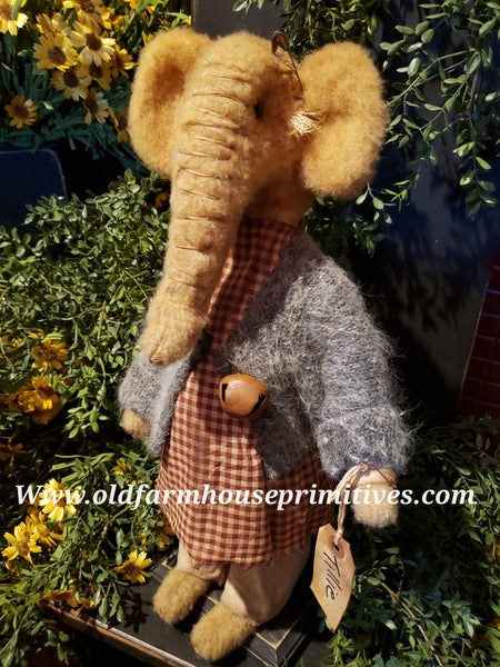 "#RM46 Primitive Tattered & Torn Standing Girl Elephant 🐘""Tillie"" (Made In USA)"