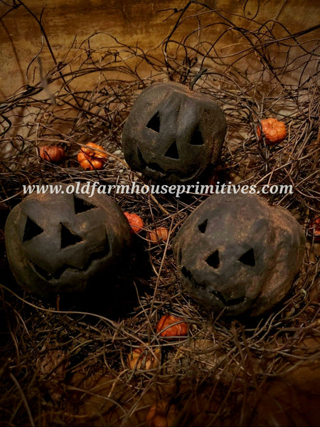 #JOL2 Primitive Spooky Blackened Jack-O-Lantern Pumpkin 🎃 Bowl Fillers