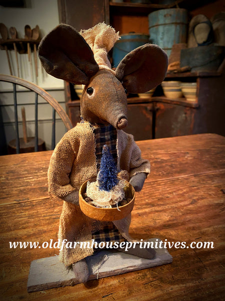"#LTC16 Primitive  Mouse Holding Blue Tree ""Mizz Betsy Blue"" 🎄(Made In USA)"