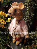"#RM12 Primitive Tattered And Torn Mouse 🐭 ""Phoebe"" (Made In USA)"