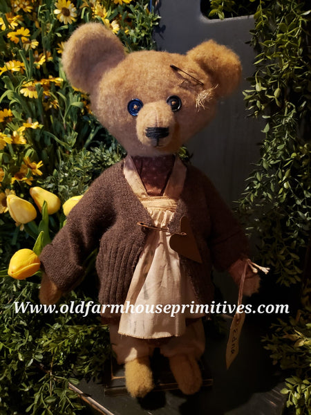 "#RM27 Primitive Tattered And Torn Girl Bear ""Edna"" (Made In USA) Back In Stock!"
