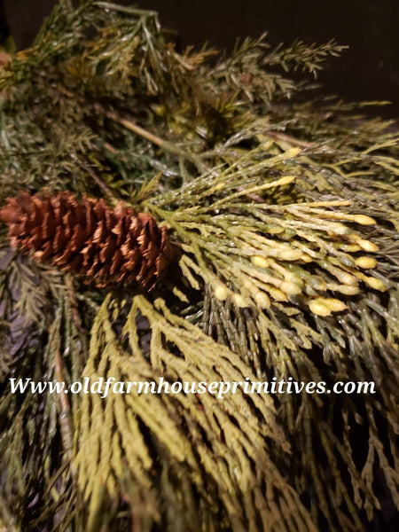#RHMCB Mixed Cedar Bush With Pine Cones