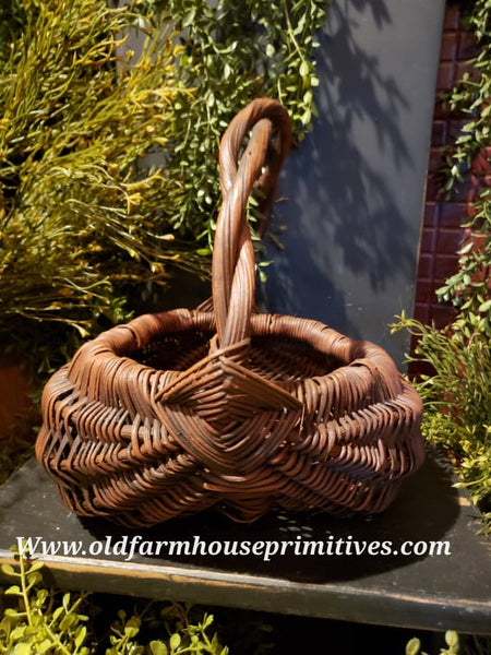 "#PBBGN61 Primitive Handmade Red With Brown ""Egg Basket"" 🧺 (Made In USA)"