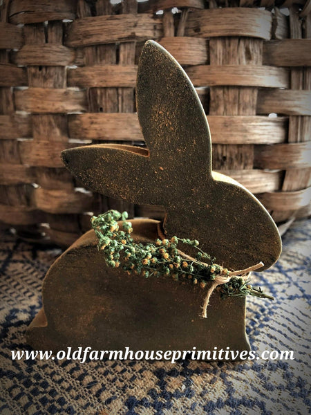#PBBW031 Primitive Blackened Beeswax Sweet Annie Bunny 🐰 (Made In USA)