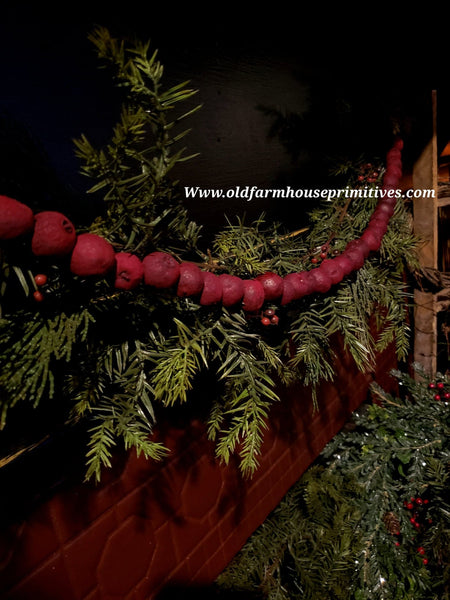 #BJBC16 Primitive Red Pantry Apple Garland 3'  🍎