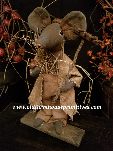 #LT63 Primitive Fall Acorn Boy Mouse 🐭(Made In USA)
