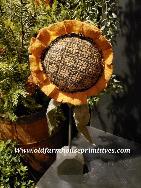 #TBHSF45 Primitive  Sunflower on Stand 🌻(Made In USA)