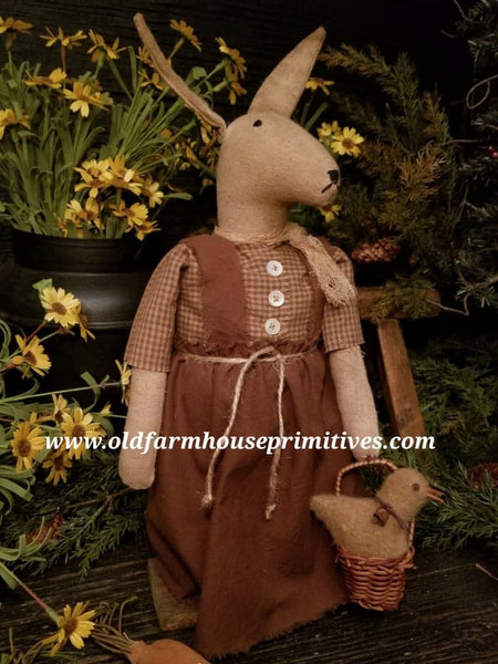 #MQ55 Primitive Rabbit With Basket chick 🐥 (Made In USA)