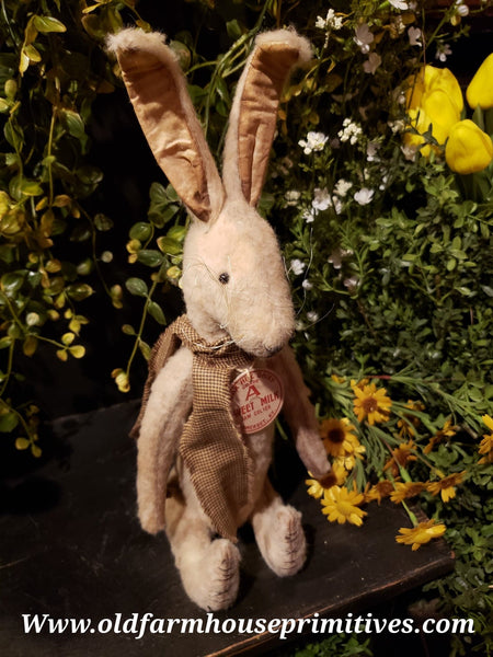 #PRHC6 Primitive Sitting Cream Rabbit 🐰 (Made In USA)