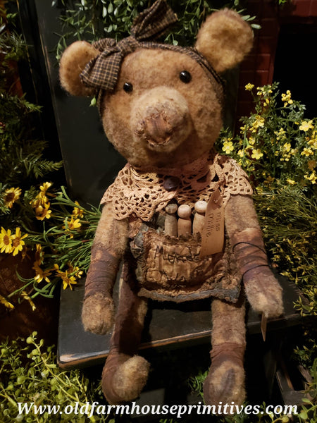 "#RP117 Primitive Sitting Bear ""Millie"" Monday Wash Day  (Made In USA)"