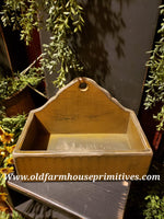 "#PPWS4 Primitive ""Mustard"" Distressed  Wood Scalloped Display Box (Made In USA)"