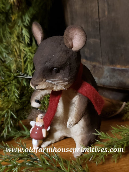 #CY83 Craig Yenke Christmas Mouse With Angel (Made In USA)