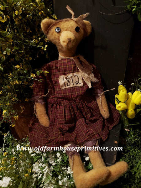 "#RPJB1 Primitive Sitting Girl Bear ""Jodie"" (Made In USA)"