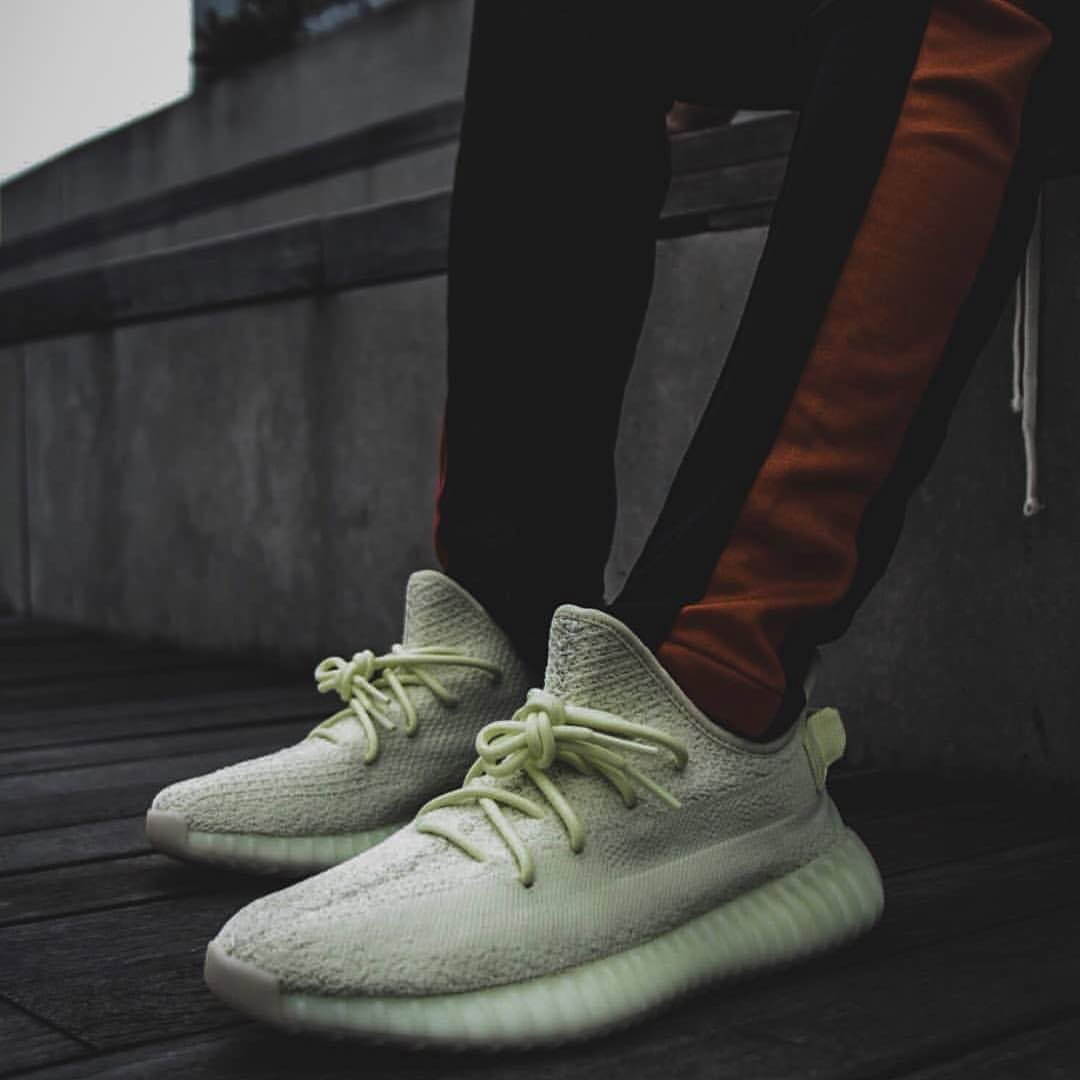 online store 97942 849e4 Adidas Yeezy Boost 350 V2