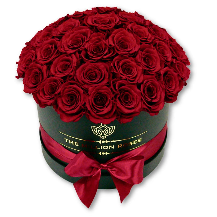 "The Million Roses Europe - Medium - Red Eternity Roses ""Sphere"" - Black Box Delivered Anywhere in Europe"