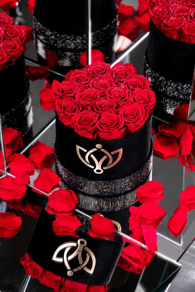 Black - Crystal Edition Box with Red Roses - The Million Roses Europe