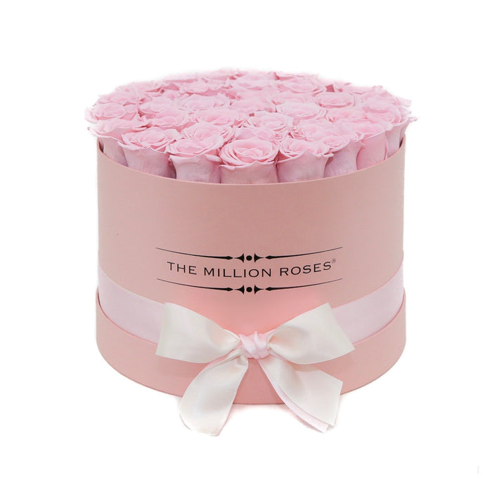 The Million Roses Europe - Medium - Light Pink Eternity Roses - Pink Box Delivered Anywhere in Europe