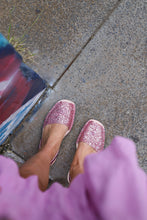 Load image into Gallery viewer, Glitter coral pink sandals