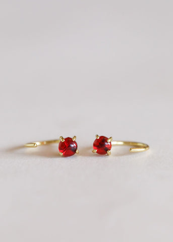 Image of Earrings Garnet Huggies