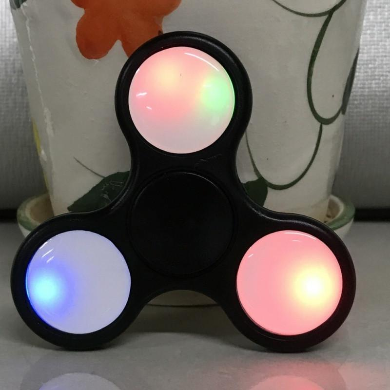 'Light Up' Plastic Fidget Spinner - Gear Stop Shop
