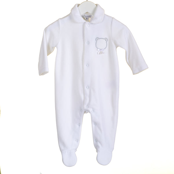 TT0231 - WHITE VELOUR SLEEPER WITH BEAR APPLIQUE (6PCS)