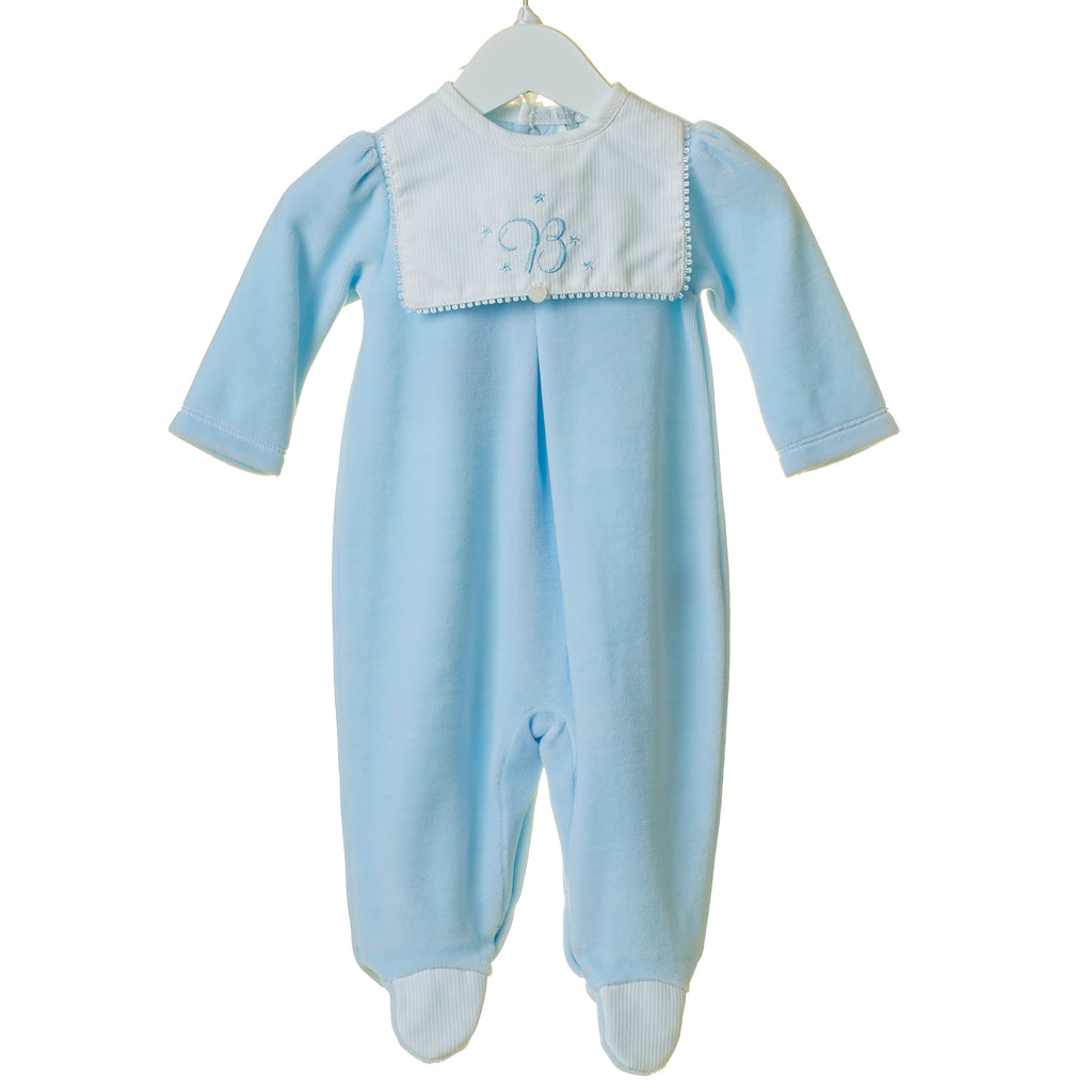 TT0194 - BOYS VELOUR SLEEPER WITH BIB DETAIL AND EMBROIDERED HAT (6PCS)