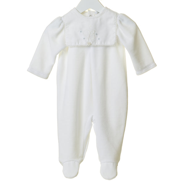 "TT0212 - UNISEX WHITE VELOUR SLEEPER WITH ""B"" EMBROIDERED BIB AND HAT (6PCS)"