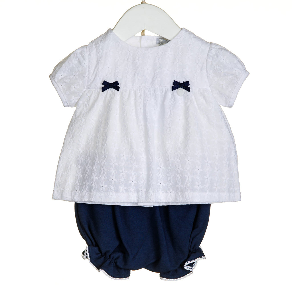 R-VV0273 - GIRLS 2PC BRODERIE ANGLAIS TOP AND BLOOMER SET