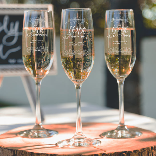 Etched 5th Anniversary Champagne Flutes - Design: A1
