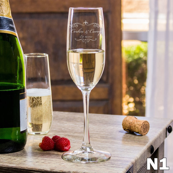 Etched Champagne Flutes - Design: N1 Couples