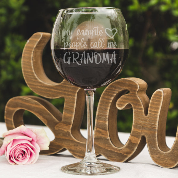 Etched Red Wine Glass Mother's Day for Grandma - Design: MD8