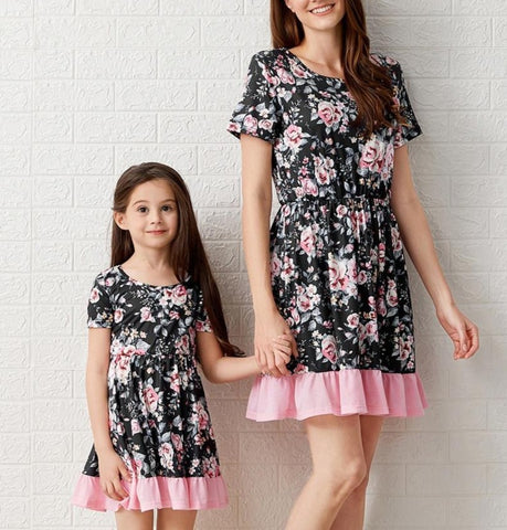 Matching Short-Sleeve Floral Printed Patchwork Dress - dresslikemommy.com