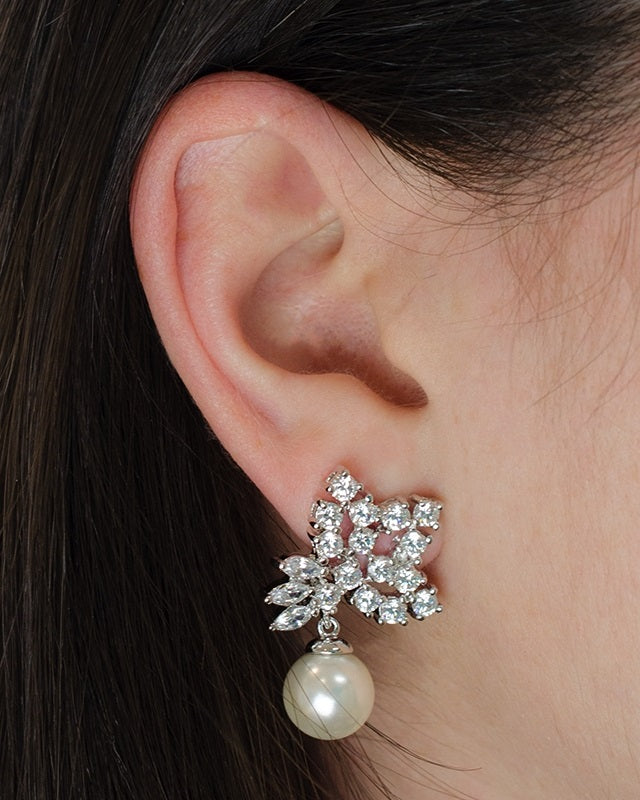 CZ Cluster and Pearl Drop