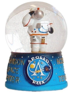NASA USA Austronaut 45mm Snowglobe Made with quality craftsmenship