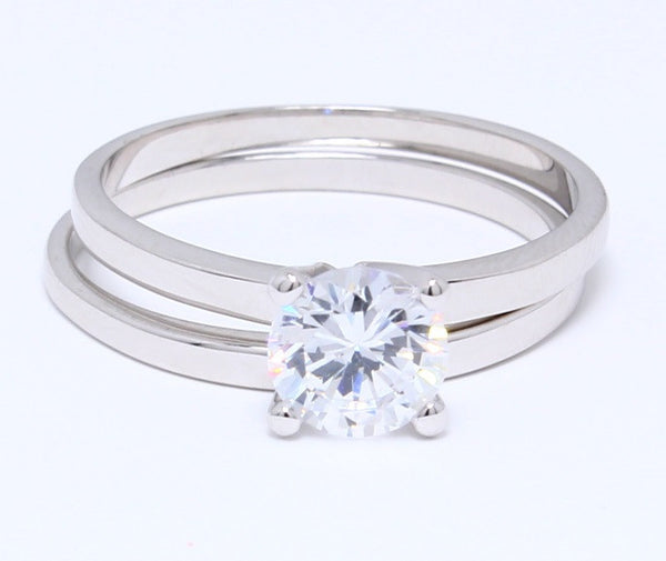 classic-cubic-zirconia-wedding-ring-set-in-platinum-plating-solitaire-round