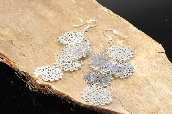 filigree-flower-dangle-earrings-silver-plated-fish-hook