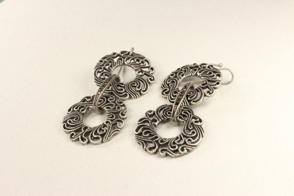 crystal-filigree-dangle-earrings-vintage-style-burnished-silver-plated