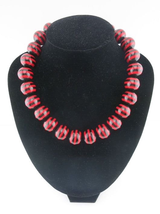 Counter Culture Republic - Chunky Striped Necklace in Red & Black