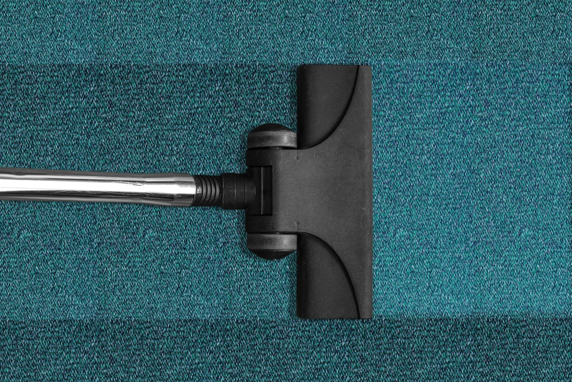 How to Remove Red Wine Stains on a Carpet