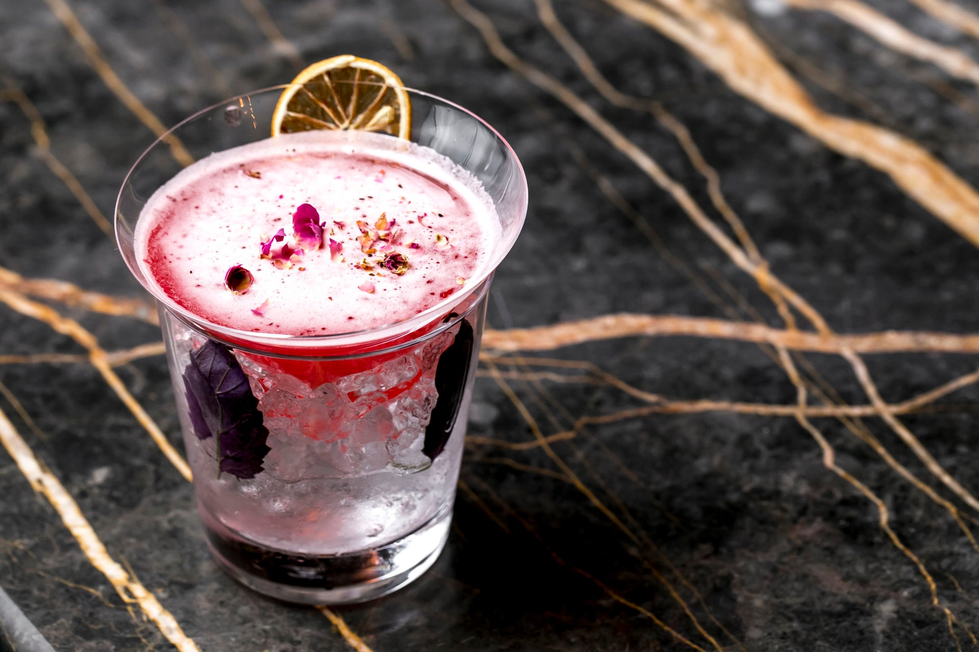 Pink Gin: What is it and how to make it